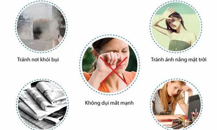 Bác Sĩ Hướng Dẫn Cách Chăm Sóc Mắt Sau Khi Cắt Mí Mắt