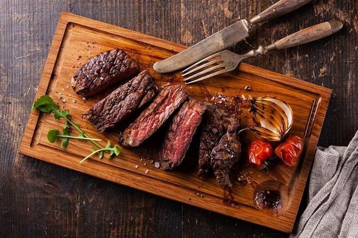 Mắt yếu nên bổ sung gì? Thịt bò